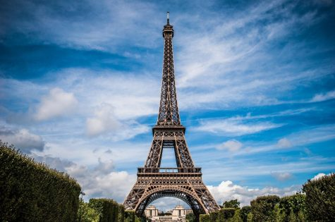 https://pixabay.com/photos/eiffel-tower-france-paris-landscape-975004/