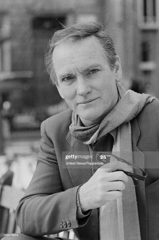 https://www.google.com/url?sa=i&url=https%3A%2F%2Fwww.gettyimages.com%2Fdetail%2Fnews-photo%2Fscottish-actor-john-fraser-in-london-on-7th-january-1985-news-photo%2F499575023&psig=AOvVaw19jDN0irR9uUo7TARtcp4t&ust=1606929871746000&source=images&cd=vfe&ved=0CAIQjRxqFwoTCNDRy7Smre0CFQAAAAAdAAAAABAJ