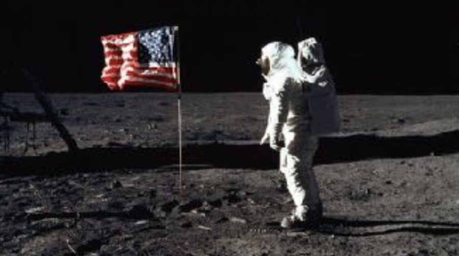 Object+3%3A+A+picture+of+Neil+Armstrong+after+landing+on+the+moon
