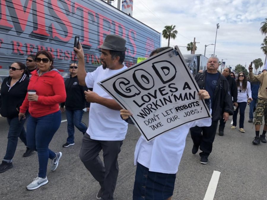 Object+2%3A+Anti-robot+protest+in+California%2C+May+2019